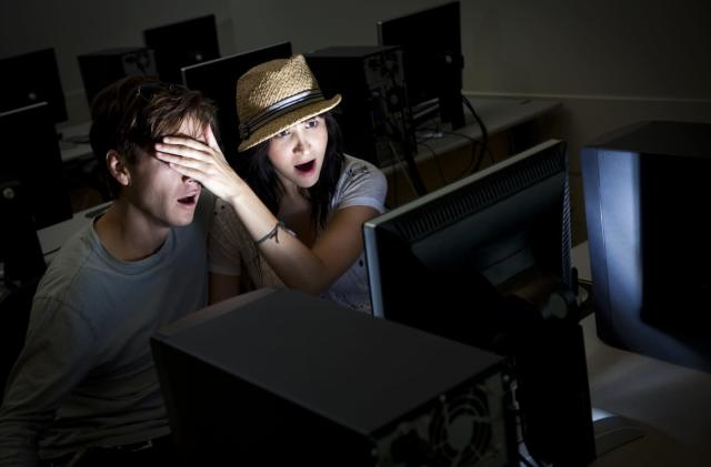 UK proposes to starve porn sites that don't verify age