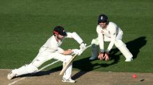 Williamson hits record ton as NZ extend lead