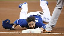 Darwin Barney comes well short of third with ridiculous failed slide