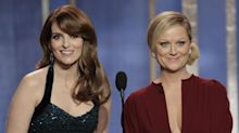 Amy Poehler & Tina Fey will return to co-host 2021 Golden Globes