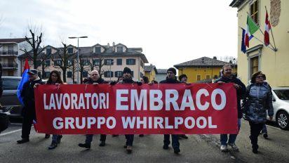 """Torino, operai Embraco a Grasso: """"Perdita 500 posti è una catastrofe sociale"""""""