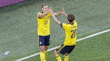 Claesson hits last-gasp winner for Sweden against Poland