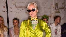 Lily Allen: Auffälliger Auftritt in Grün bei der Londoner Fashion Week