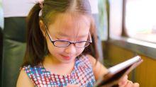 ¿Se puede prevenir la miopía durante la niñez?
