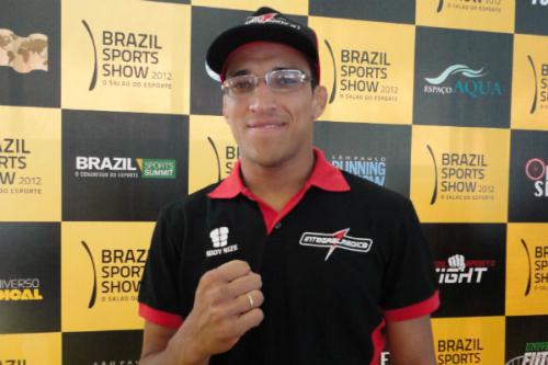 'Do Bronx' lamenta ausência no UFC São Paulo e se oferece para tapar buraco no card