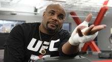How the Oura Ring helped Daniel Cormier learn he had COVID-19 and still make his fight at UFC 252
