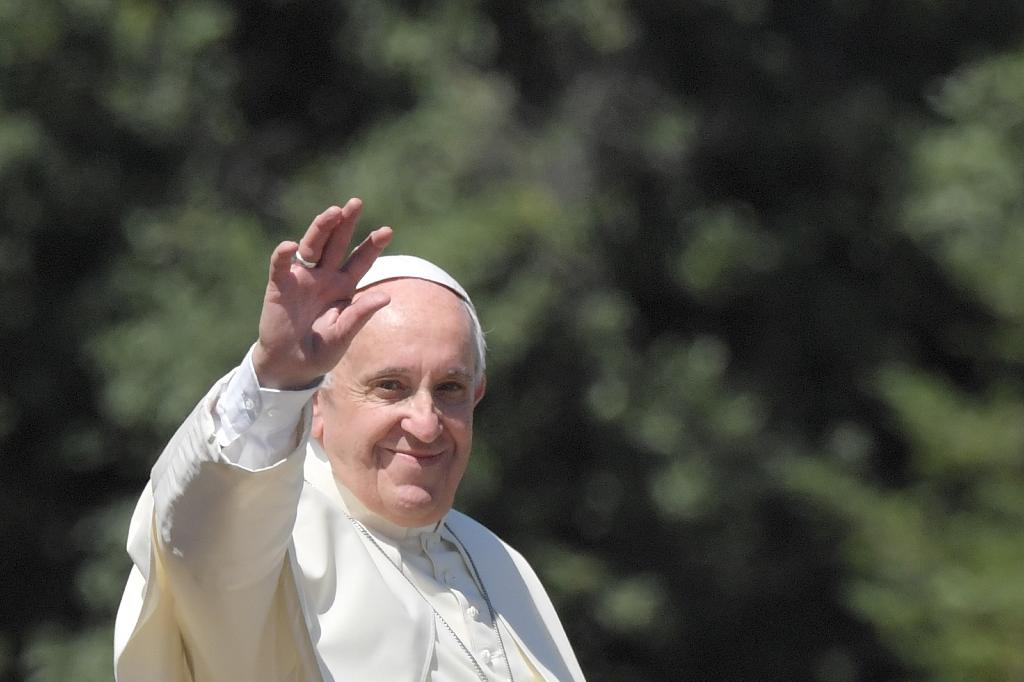 Four cardinals insist the pope's overtures in favour of allowing some remarried divorced people to take communion have sown confusion throughout the Church