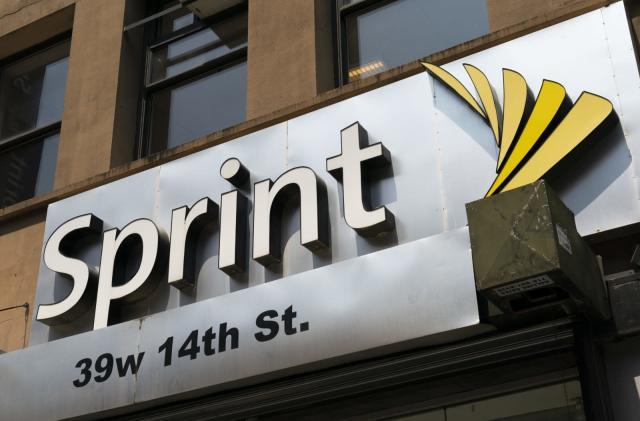 FCC says Sprint falsely claimed Lifeline subsidies for 885,000 customers (updated)