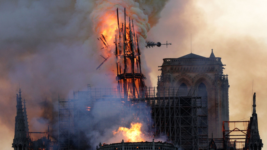 First mass held at Notre Dame since fire