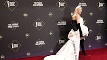 Gwen Stefani rocked the red carpet at the People's Choice Awards