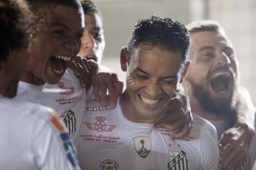 Da má fase a reestruturação: Santos encara Palmeiras com força máxima