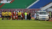 Medics can't open ambulance door for player lying unconscious on the pitch