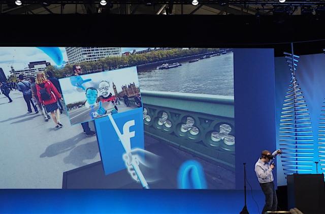 Facebook wants us to take VR selfies with virtual selfie sticks