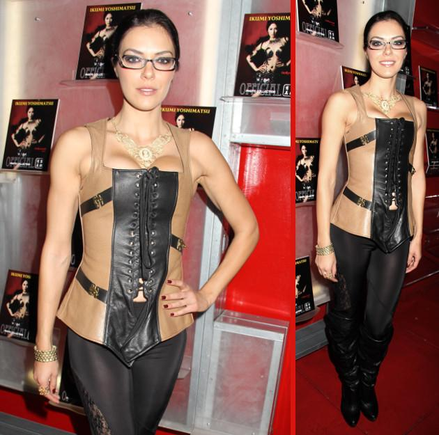 Adrianne Curry Im Domina Look Hot Or Not