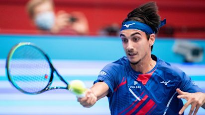 Impresa Sonego, l'azzurro batte il numero uno Djokovic a Vienna