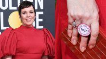 Olivia Colman usa anel para protestar contra desigualdade de gênero