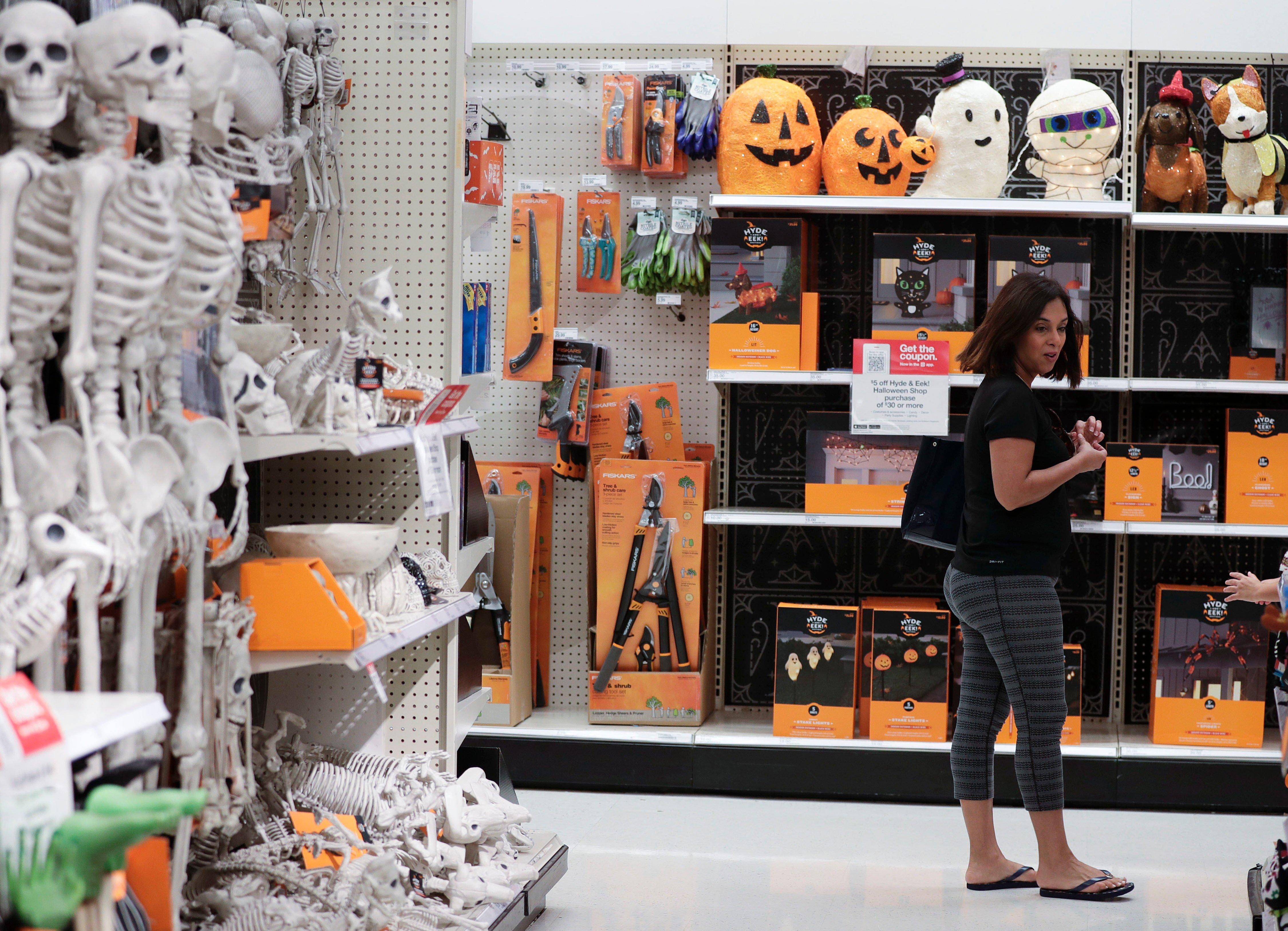 Halloween Shop Displays.Why Do Stores Put Out Halloween Decorations So Early