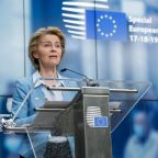 Recovery deal averted 'a disastrous situation', EU executive's chief says