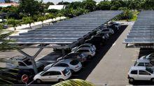 Engie et Casino veulent couvrir de panneaux solaires les toits et les ombrières de parking