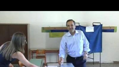 Samaras votes in Greek elections