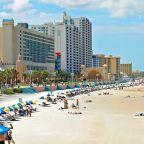 Tourists Picking Up 26-Lb. Bricks of Marijuana Washing Up on Florida Beaches After Hurricane Florence