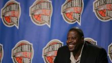 Knicks great Ewing out of hospital after positive COVID-19 test