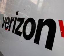 Verizon beats Wall Street estimates, shares hit 18-year high