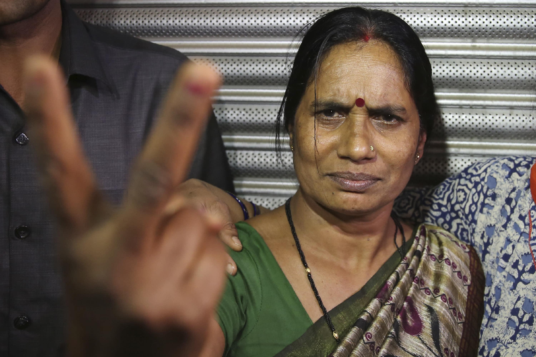 India hangs four men over 2012 Delhi bus gang-rape, murder