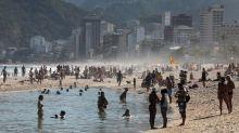 Covid-19: após final de semana de praias lotadas, prefeitura do RJ anuncia nova fase de flexibilização