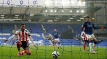 Sheffield United's Daniel Jebbison pounces early to deepen Everton woes