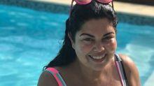 Fabiana Karla esbanja autoestima em piscina de Búzios: 'Eu posso'