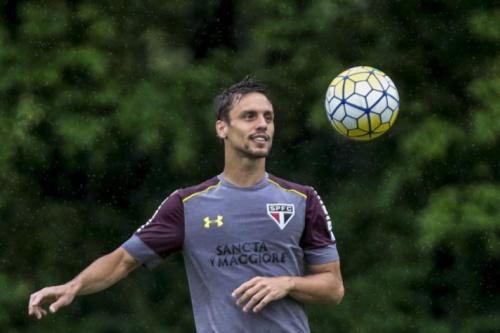 Com Rodrigo Caio, São Paulo tem 22 relacionados contra o Cruzeiro