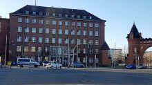 Polizei: Polizeiwache in Tegel wird vorerst nicht sicherer