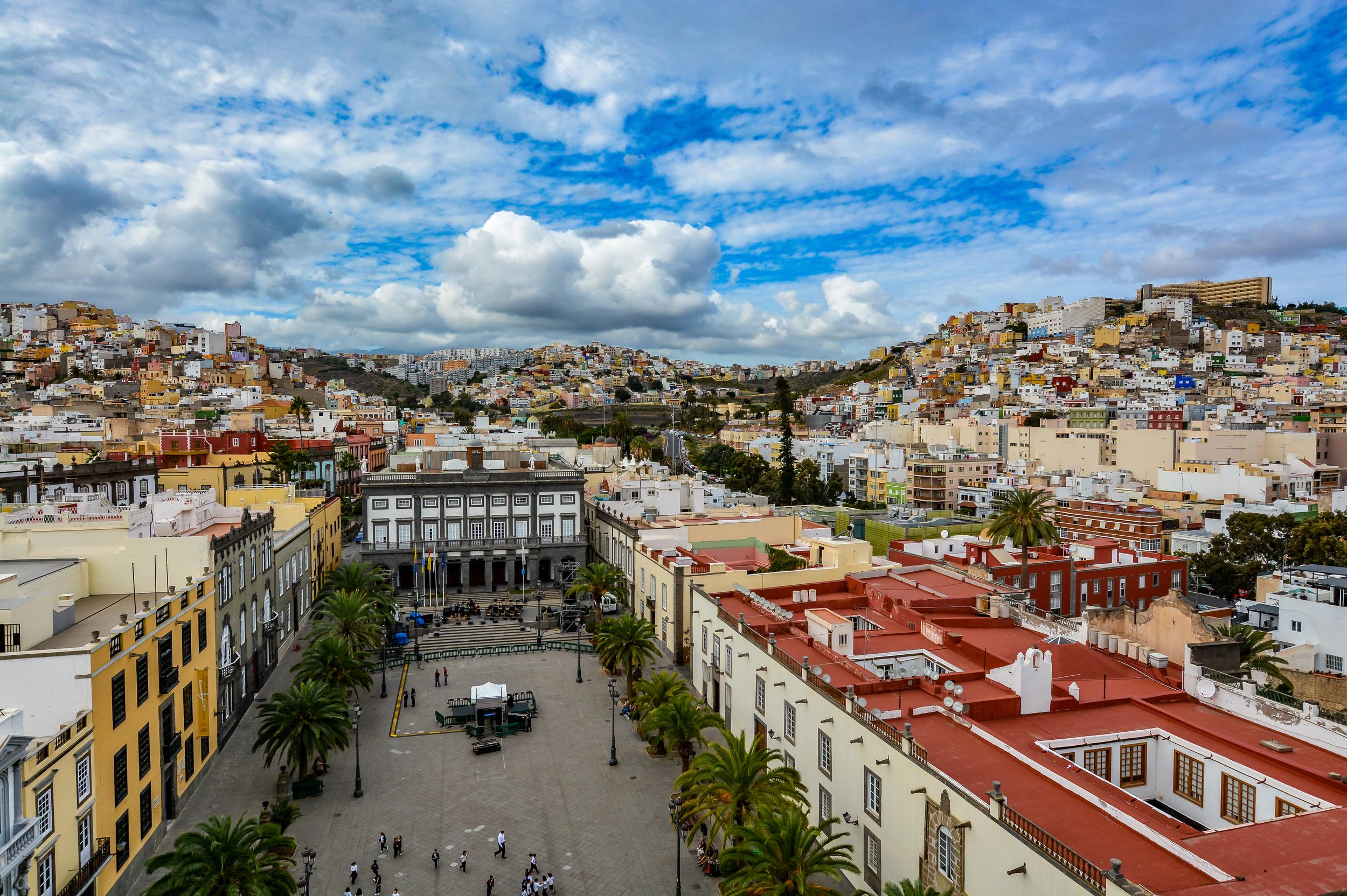 """<p>With a stunning beach, stylish boutiques and a host of bars you won't be short of things to do in Las Palmas. The city is also home to a wide variety of cultures including influences from both the Mediterranean and north Africa.</p>  <p>TripAdvisor recommendsthe <a href=""""https://www.tripadvisor.co.uk/AttractionProductDetail-g187471-d11453664-Vegueta_Walking_Tour_Including_Canarian_Tapas-Gran_Canaria_Canary_Islands.html?from_tpa=true"""" target=""""_blank"""">Vegueta Walking Tour which includes Canarian Tapas</a>, bookable from £23 per person.</p>"""