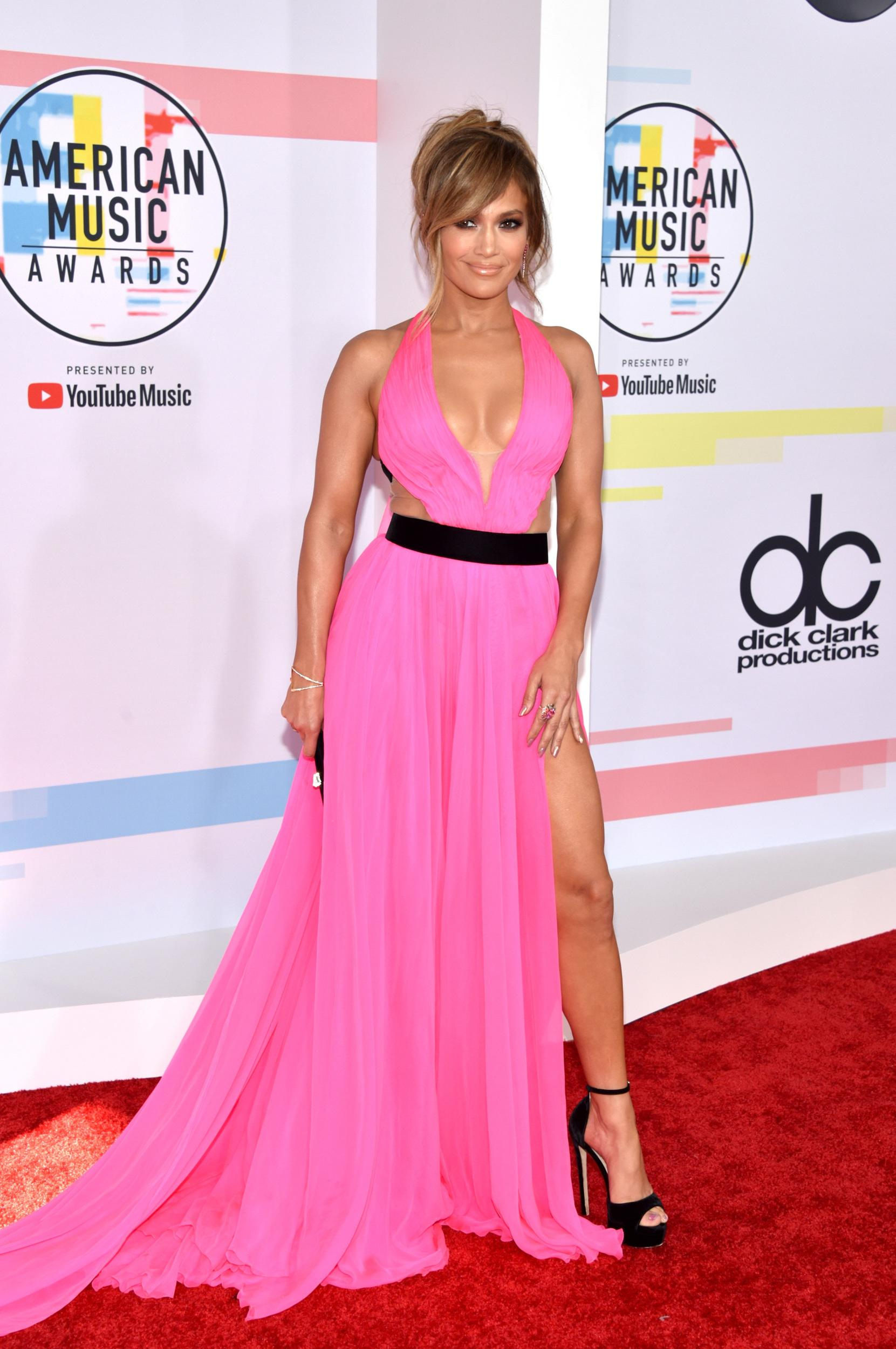 LOS ANGELES, CA - OCTOBER 09:  Jennifer Lopez attends the 2018 American Music Awards at Microsoft Theater on October 9, 2018 in Los Angeles, California.  (Photo by John Shearer/Getty Images For dcp)