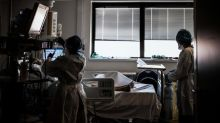 """Covid-19 : le vaccin anti-grippe doit être """"obligatoire"""" pour les soignants, plaide l'Académie de médecine"""