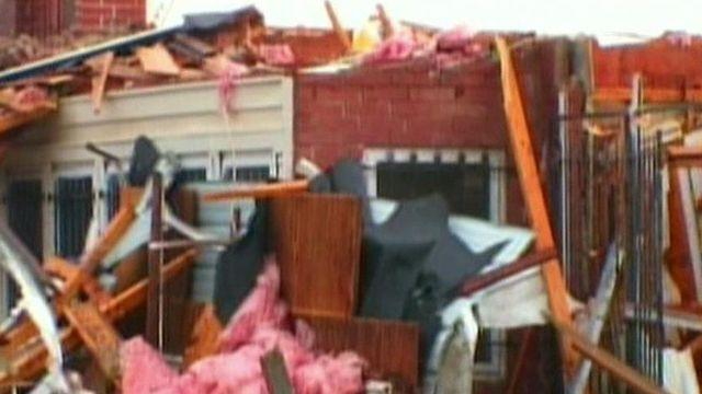 1 dead after series of tornadoes hit Plains, Midwest