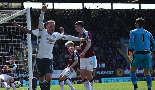 Premier League: 34. Spieltag: United trotzt Ibra-Schock - Reds mit Pleite