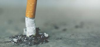 El truco publicitario detrás de las colillas de cigarrillo: el fraude colectivo más letal de la historia