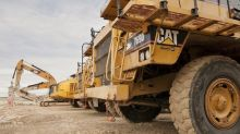Caterpillar Reports Earnings as a 'Golden Cross' Forms