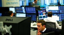 Oil majors, poor earnings hammer FTSE 100