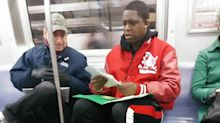 Fremder gibt Nachhilfe in Mathe: Wenn die U-Bahn plötzlich zum Klassenzimmer wird