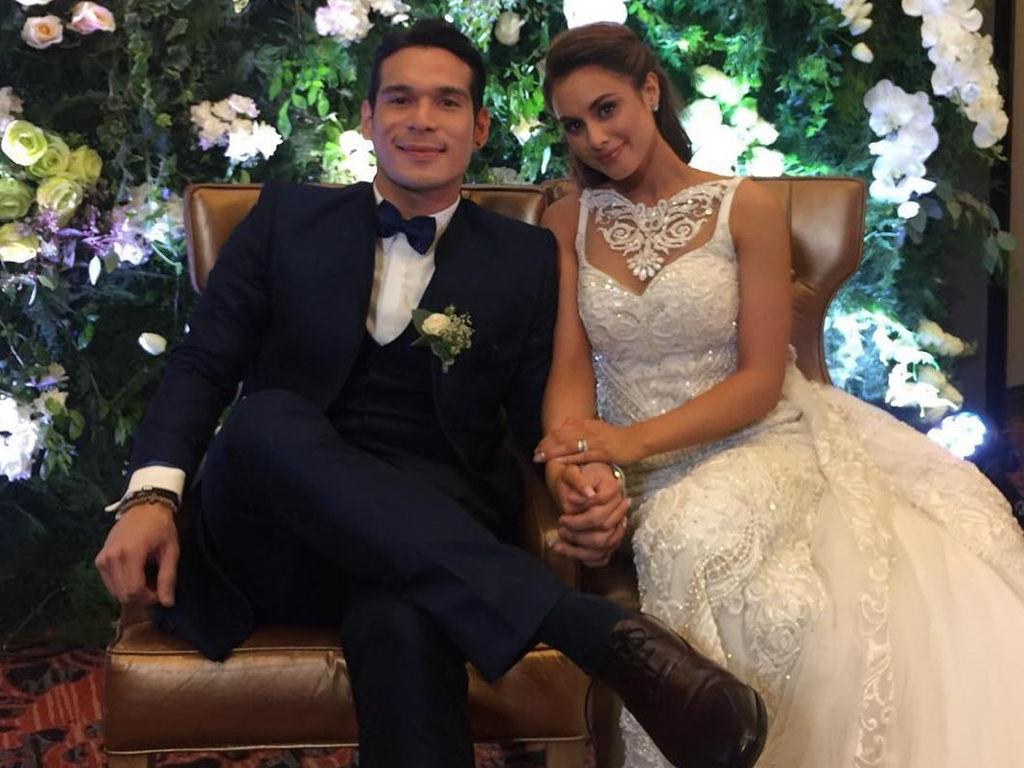 Max Collins and Pancho Magno tie the knot