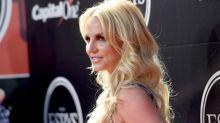 """Britney Spears sous tutelle : son père brise le silence et s'attaque aux """"conspirationnistes"""""""