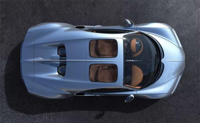 Sky View擁有不錯剛性,同時還能隔絕有害的紫外線,經過縝密的減噪工程測試,能維持車內應有的舒適品質。(圖片來源:https://www.autoguide.com/auto-news/2018/07/finally-bugatti-chiron-gets-a-new-sunroof.html)