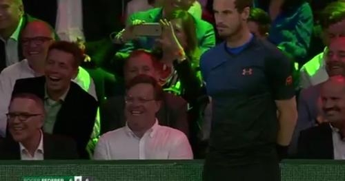 Tennis - WTF - Andy Murray laisse un ramasseur de balles le remplacer face à Roger Federer