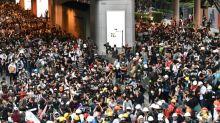 Thai PM revokes emergency decree despite protests