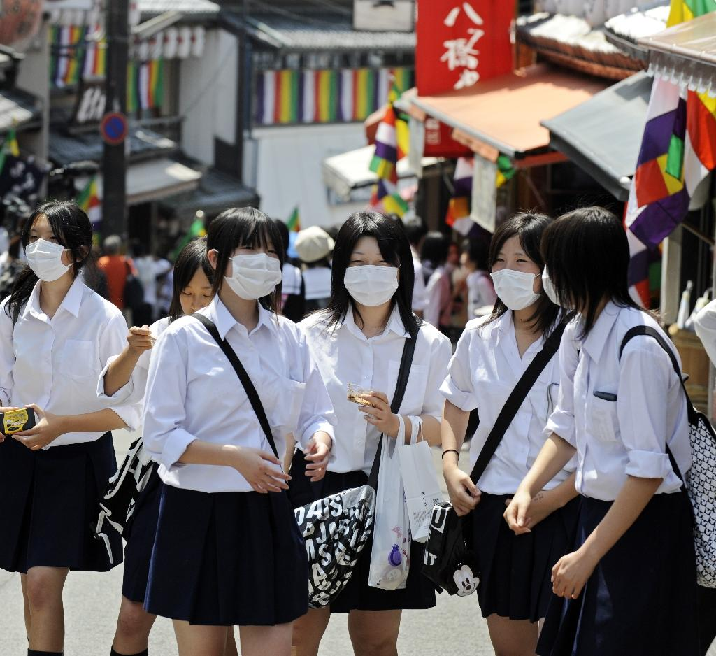 Japan teen www Worshipping idols: