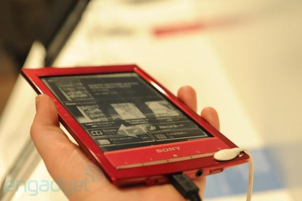 Hands-on with the Sony Reader Wi-Fi (video)