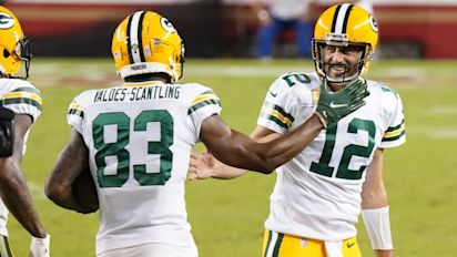 Rodgers defends MVS, calls out Packers fans